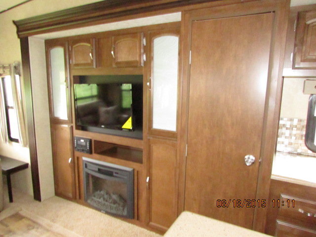 2016 FOREST RIVER 337BAR SALEM HEMISPHERE FIFTH WHEEL