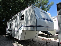 1999 Fleetwood Terry 30.5X 5th wheel trailer
