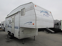 2000 Fleetwood Prowler 235M 5th wheel trailer