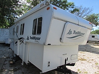 2002 Trailmanor 2720 travel trailer
