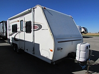 2004 Fleetwood Prowler 722 Lynx travel trailer