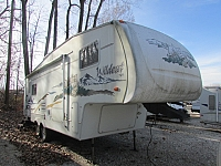 2004 Forest River Wildcat 27RL 5th wheel trailer