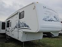 2006 Keystone Montana 3650RK 5th fifth wheel trailer