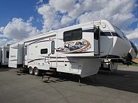 2013 Keystone Montana (Hickory Edition) 3750FL 5th wheel trailer