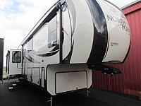 2017 JAYCO 381DLQS NORTH POINT FIFTH WHEEL