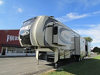 2017 Jayco 38REFS Pinnacle 5th fifth wheel trailer