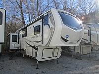 2018 Keystone Montana 3811MS 5th wheel trailer