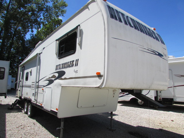 2001 Nu-Wa Hitchhiker 295RLBG 5th wheel trailer
