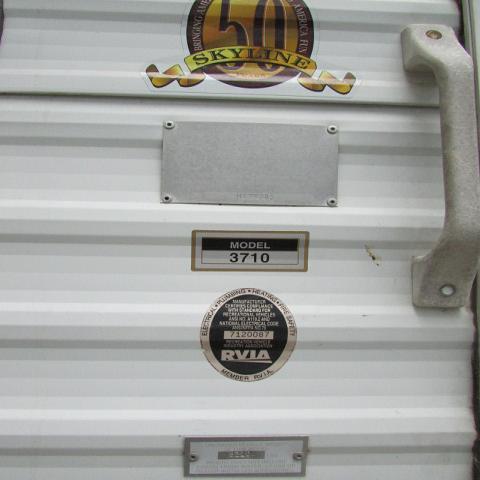 2001 Skyline Layton 3710 Travel Trailer