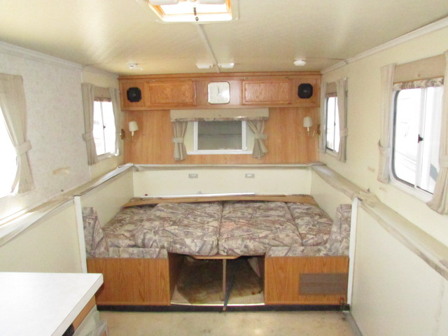 2002 Trailmanor 2720 travel trailer