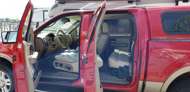 2004 Ford F150 Lariat 4WD Crew Cab pickup truck