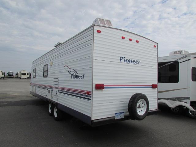 2005 fleetwood 27TB8 Pioneer Travel Trailer