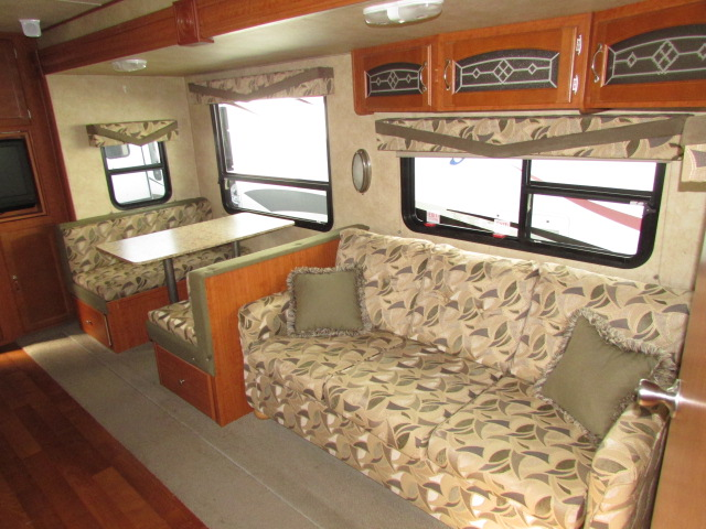 2009 Forest River V-Cross 28V FBS travel trailer