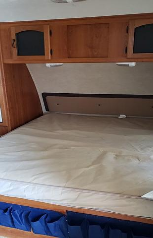 2011 Coachmen Freedom Express LTZ 230BH travel trailer