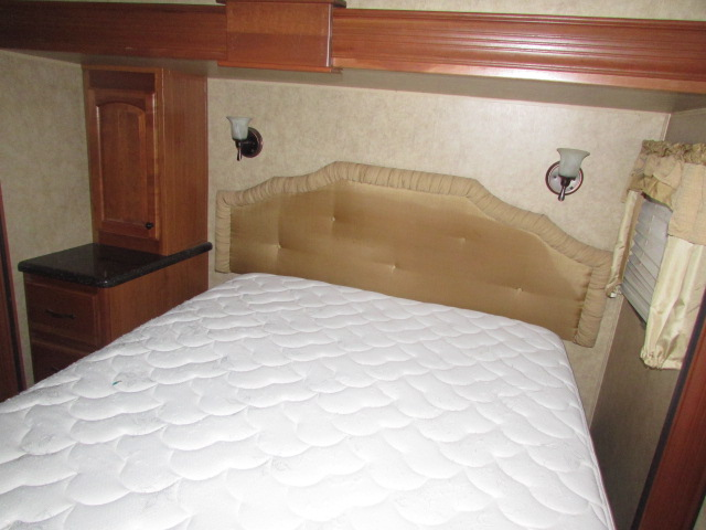 2011 DUTCHMEN 340RL GRAND JUNCTION FIFTH WHEEL