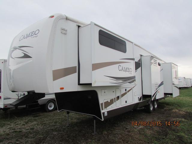 2012 Carriage Cameo 37RSQ 5th Wheel Trailer