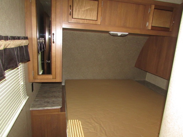 2017 FOREST RIVER 333BHKSCK COACHMEN CATALINA LEGACY EDITION TRAVEL TRAILER