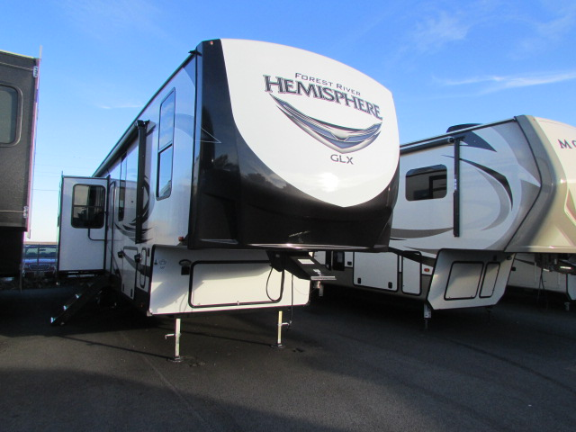 2019 FOREST RIVER 372RD SALEM HEMISPHERE FIFTH WHEEL WITH AUTO LEVELING