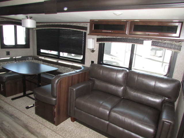 2019-JAYCO-29BHDB-JAY-FLIGHT-TRAVEL-TRAILER-11620P-21969.jpg