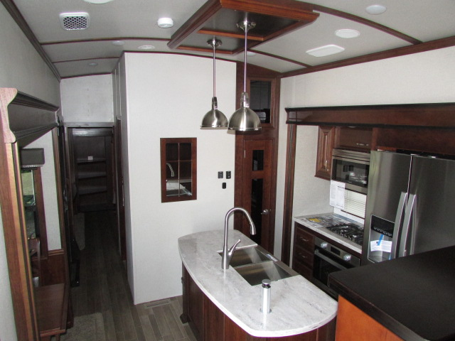 2019 Jayco 38FLWS Pinnacle 5th wheel trailer