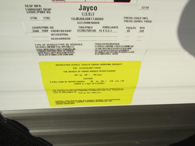 2019-Jayco-Jay-Flight-SLX-7-174BH-Travel-Trailer-11924P-26350.jpg