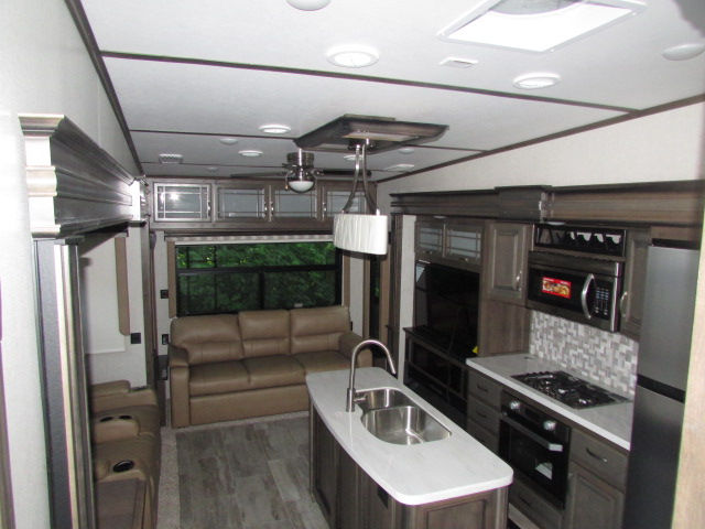 2019 Keystone Montana 3120RL 5th wheel trailer