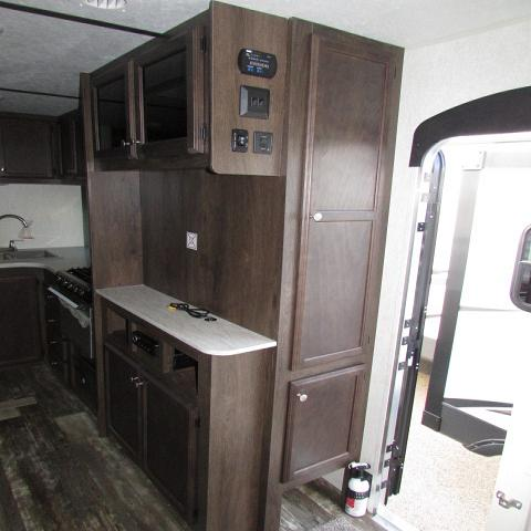 2019 Starcraft 21FBS Autumn Ridge Outfitter travel trailer