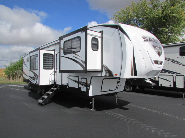 2021 Forest River Sabre 37FLH 5th wheel trailer